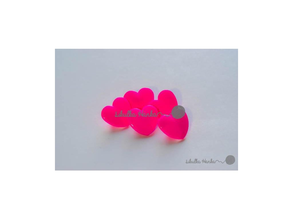 Knoflík srdíčko 1,5cm zářivá růžová