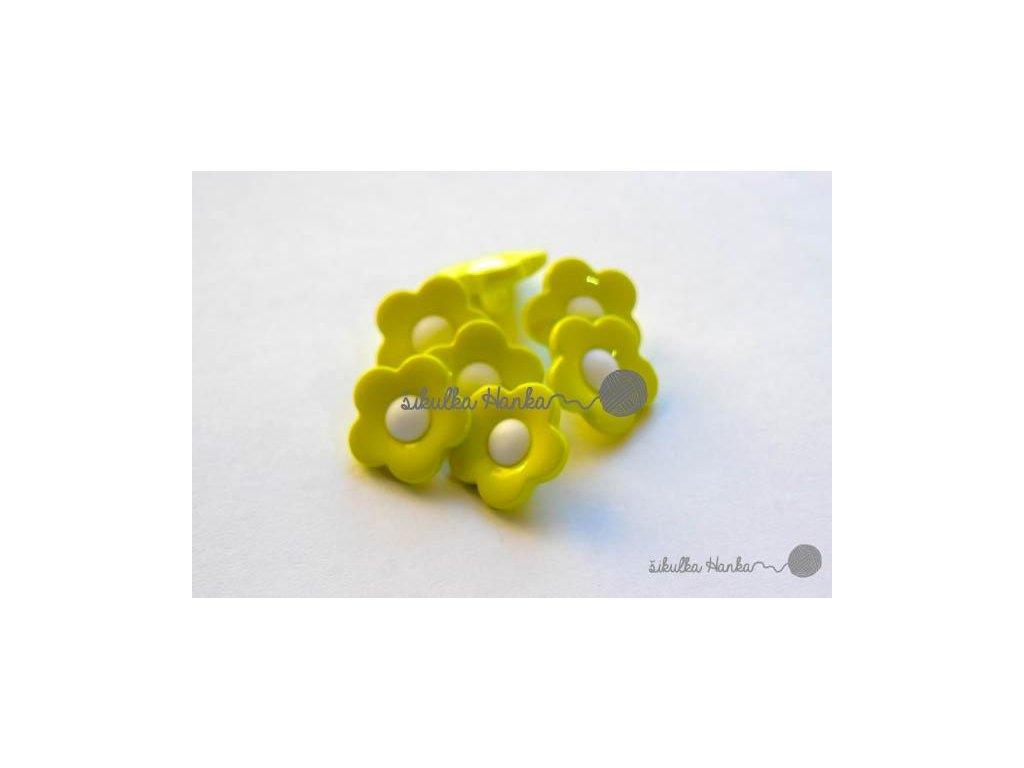 Knoflík kytička 17mm zeleno-bílá