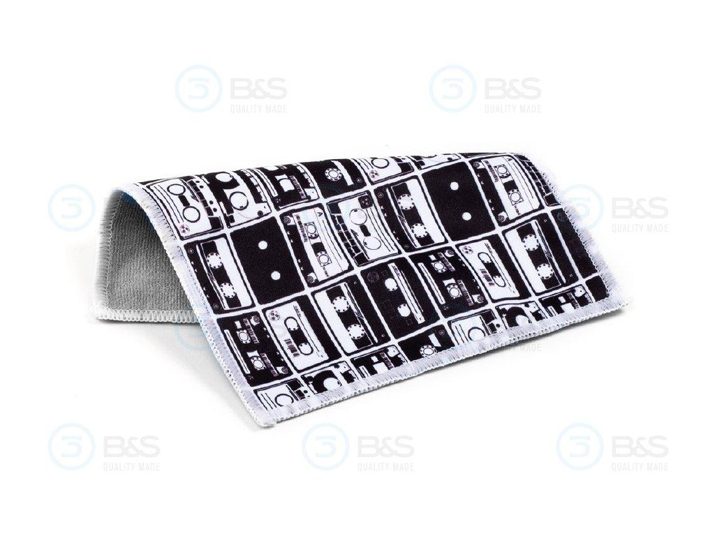 KAZETY - utěrka na brýle z mikrovlákna 18x15 cm