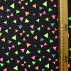 1009 Neonové, trojúhelníky na modré 2