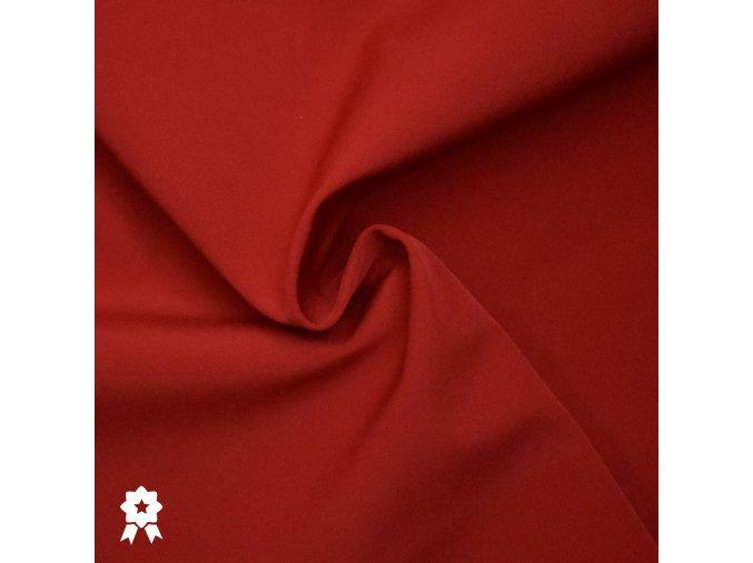 735 červená