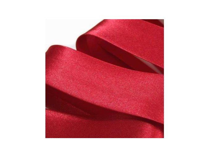 1980 Šikmý proužek saténový šíře 20 mm zažehlený červená