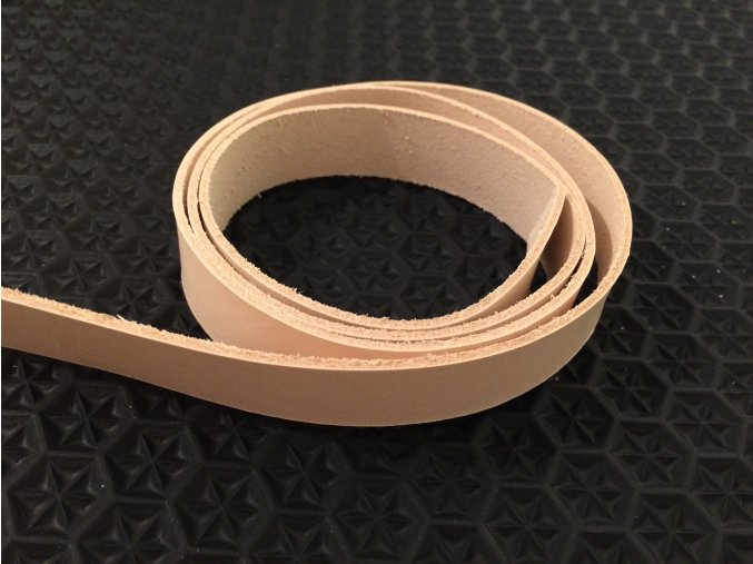 Pásek z třísločiněné hlazenice tl. 3,4 mm