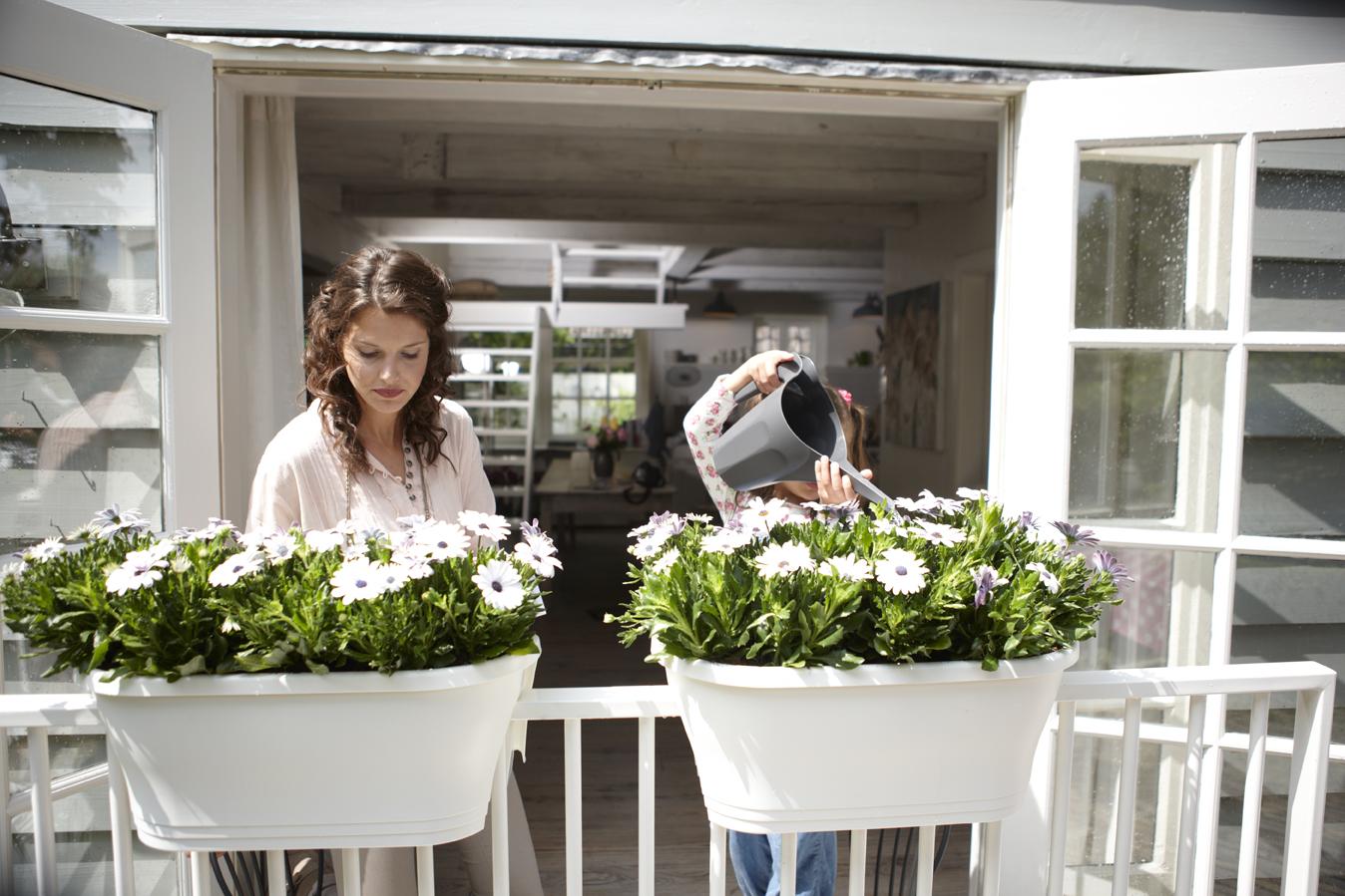 Truhlíky na balkony a terasy