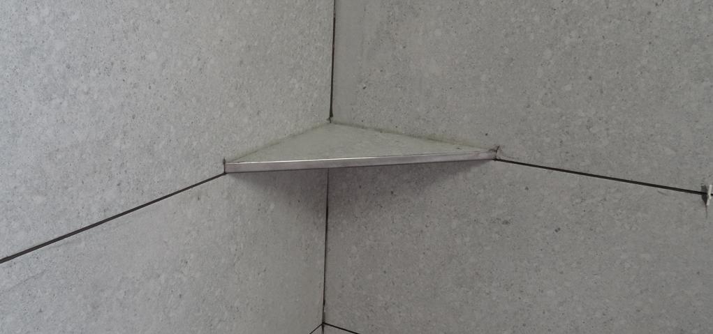 Sprchové poličky pod obklad