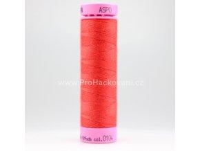 Polyesterová nit 0104 světle červená