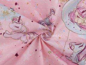 bavlnena latka jednorozci na oblaccich v ruzove (2)