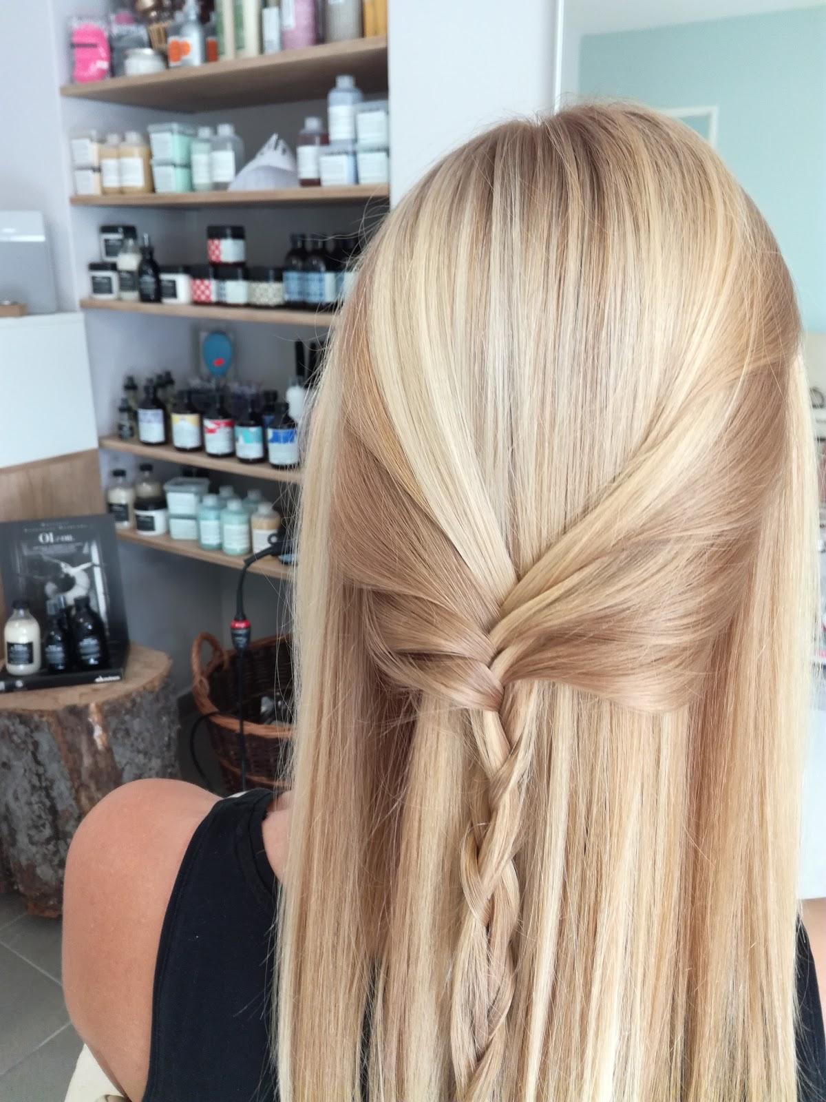 Jak pečovat o blond vlasy