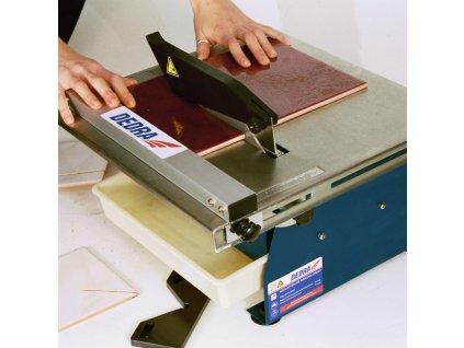 Půjčovna - Řezačka obkladů 650 W, kotouč 180 x 22,2 mm