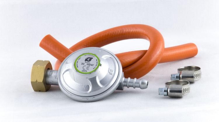 Příslušenství pro plynová kamna - regulátor na velkou PB lahev 30 mbar + hadice 8mm/50cm se sponami