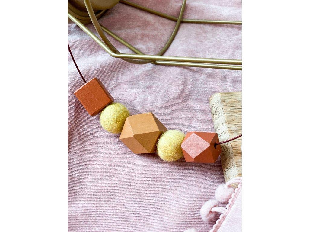 Dřevěný náhrdelník - Podzim na obruči