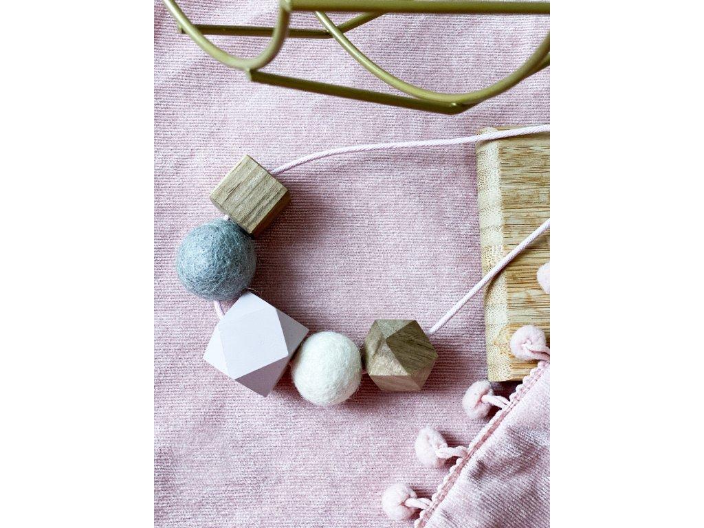 Dřevěný náhrdelník - Pastelově šedý