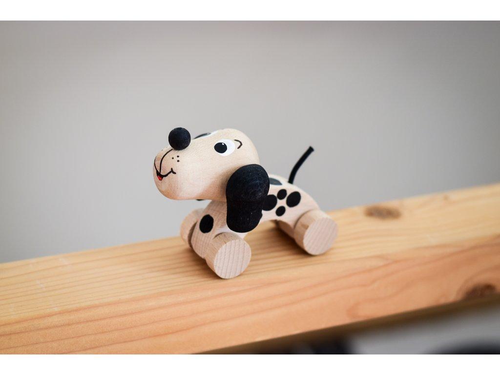 Dřevěné zvířátko do ruky - Pejsek puntíky