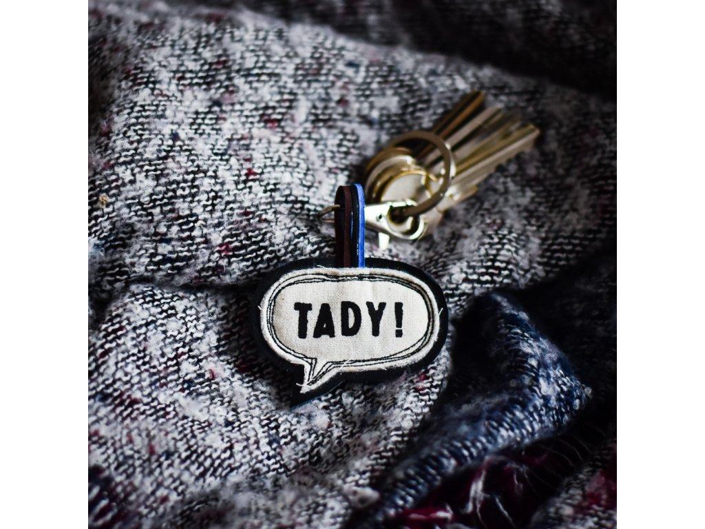 Kožený přívěsek na klíče TADY! černá