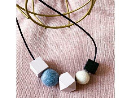 Dřevěný náhrdelník - Růžovo-černý