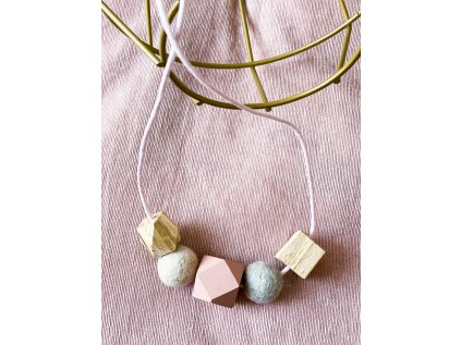 Dřevěný náhrdelník - Pastel na růžové šnůrce