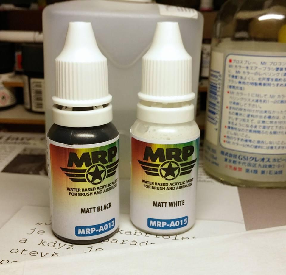 Barvy MR. Paint Aqua - aplikace štětcem