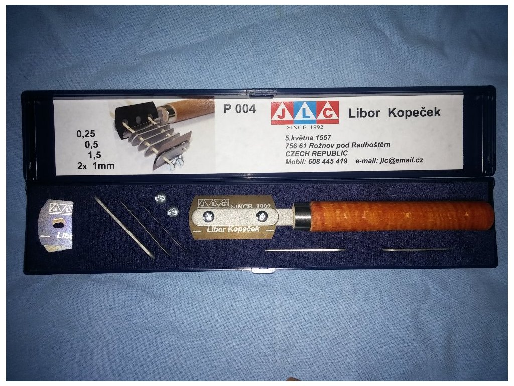 Žiletky s rukoväťou a rozširovacími podložkami / Razor blade with handle&extender (Anniversary box)