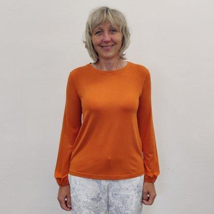Tričko s nabranými rukávy oranžové  je ušito z kvalitního modalu, který krásně splývá a zlehka chladí