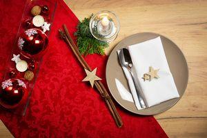 Vánoční látkové ubrousky a běhouny na stůl