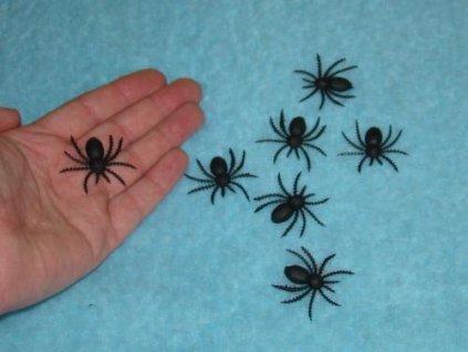 pavouk plast 5267