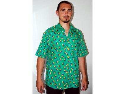 Zelená košile s kondomy
