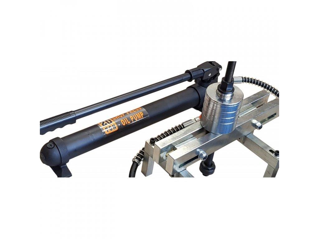 sada-hydraulickeho-vytahovaku-vstrikovace-20-tun