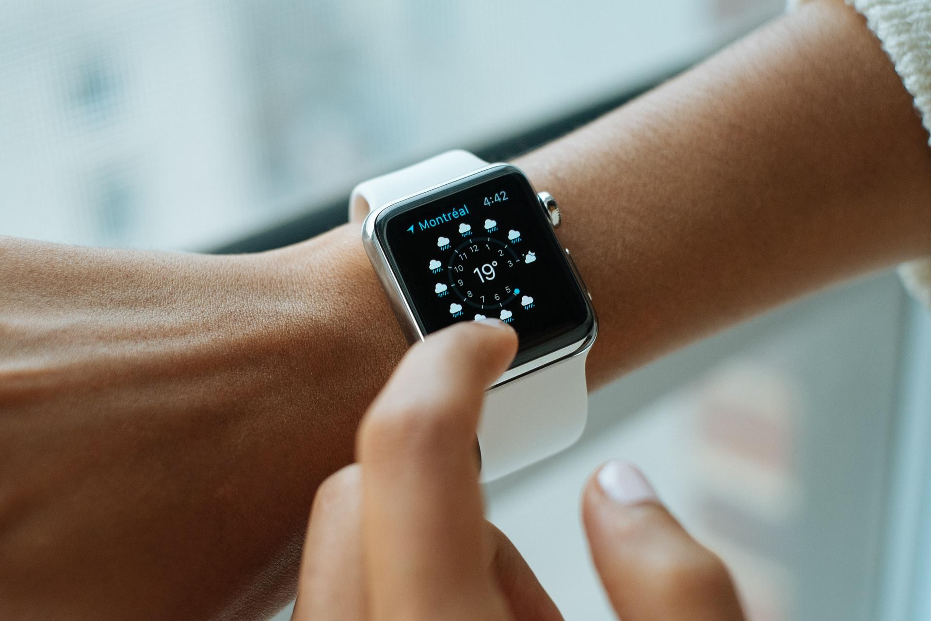 Chytré vs. sportovní hodinky: Jakou cestou se vydat?