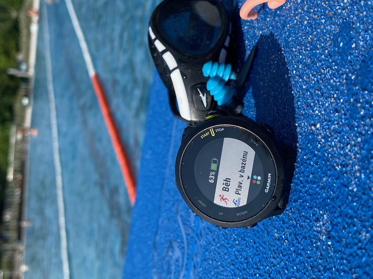 pulsmetry-garmin-hodiny-pro-plavani