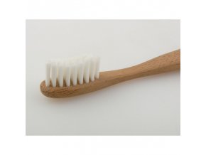 8637f24751e9e75345c9f00505accd67 bamboo toothbrush for kids 1