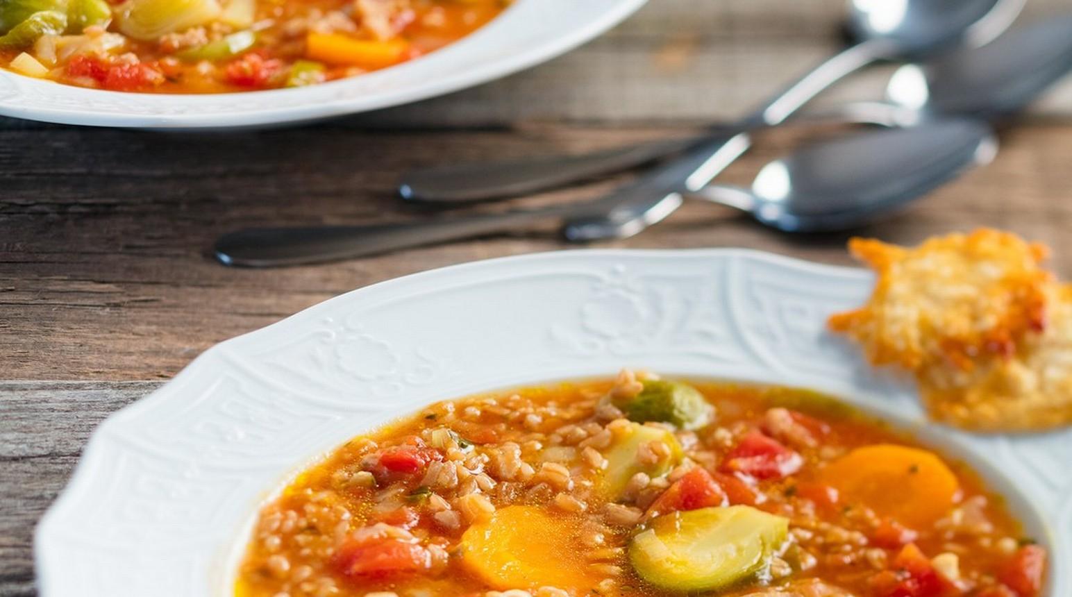 Italská kapustičková polévka s dvouzrnkou