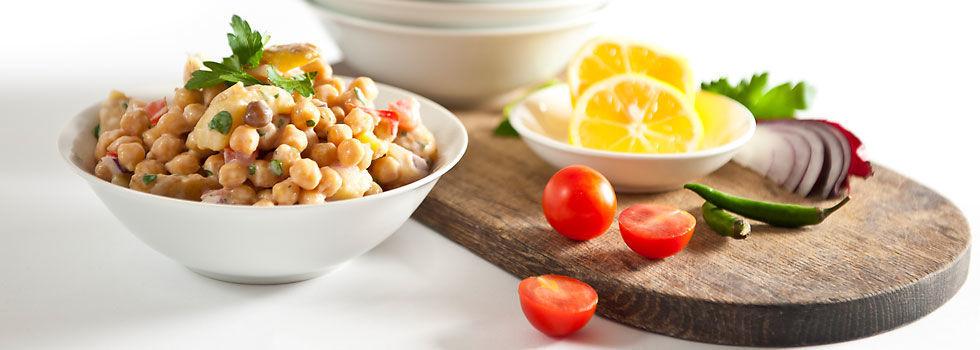 Orientální cizrnovo-bramborový salát