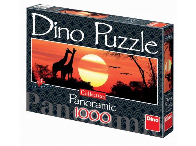 Žirafy při západu slunce - panoramic