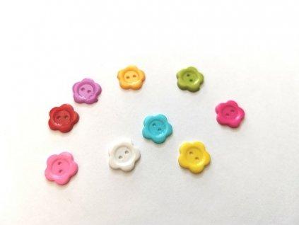 Plastové gombíky/knoflíky