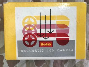 Kodak Instamatic 100 Camera s krabickou