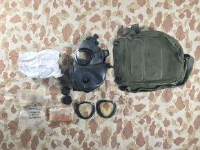 Maska M17A1 s příslušenstvím