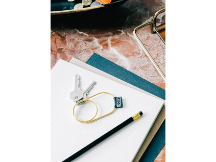 minimalistická klíčenka pro muže