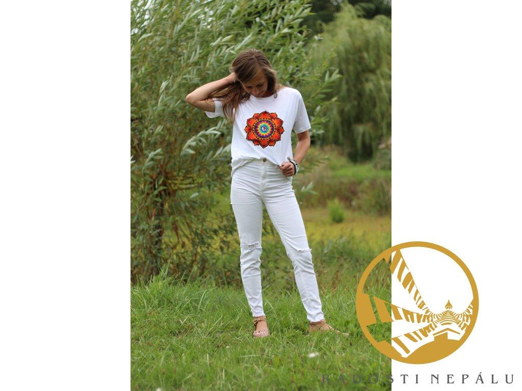 Tričko bílé s výšivkou oranžové mandaly