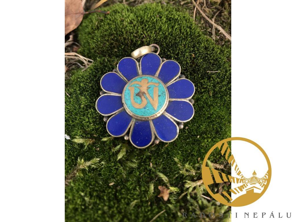 Přívěsek modrý květ se znakem Om