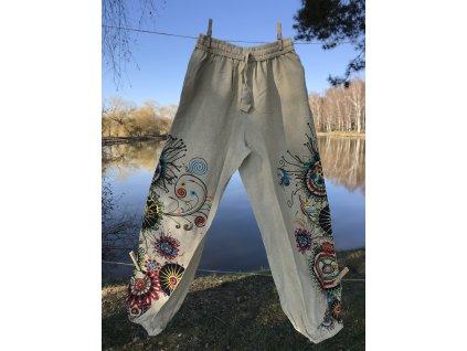 Kalhoty béžové s výšivkou klasický sed