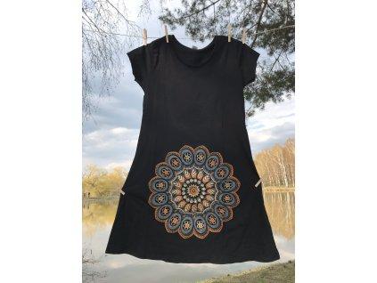 Šaty krátké s rukávem černé s vyšitou šedou mandalou