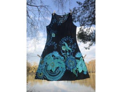 Šaty krátké na široká ramínka černozelenomodré květované