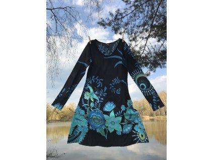 Šaty krátké s dlouhým rukávem černozelenomodré květované