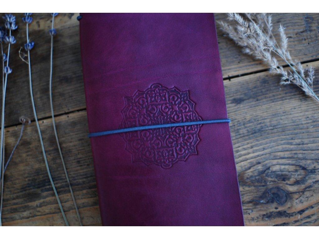 Kožený zápisník Midori fialový s mandalou
