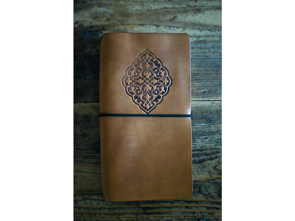 Kožený zápisník Midori  s ornamentem