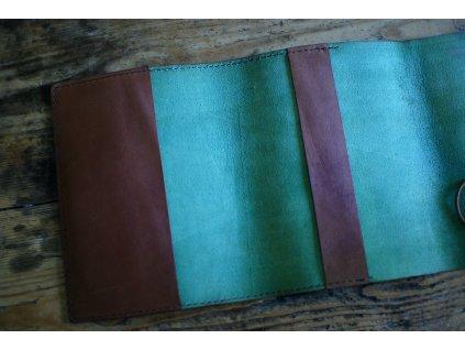 Kožený obal  v malachitovo/dubu - zavazovací