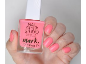 AVON Lak na nehty SATIN MATTE - Electric Dancer