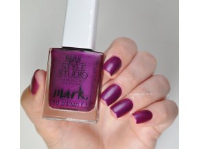AVON Lak na nehty SATIN MATTE - Hail To The Queen