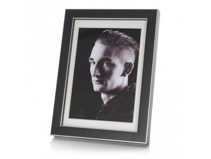 černý fotorámeček 15x21cm se stříbrnou linkou