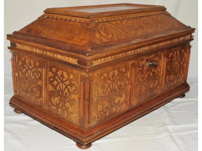 dřevěná truhlička 1-2